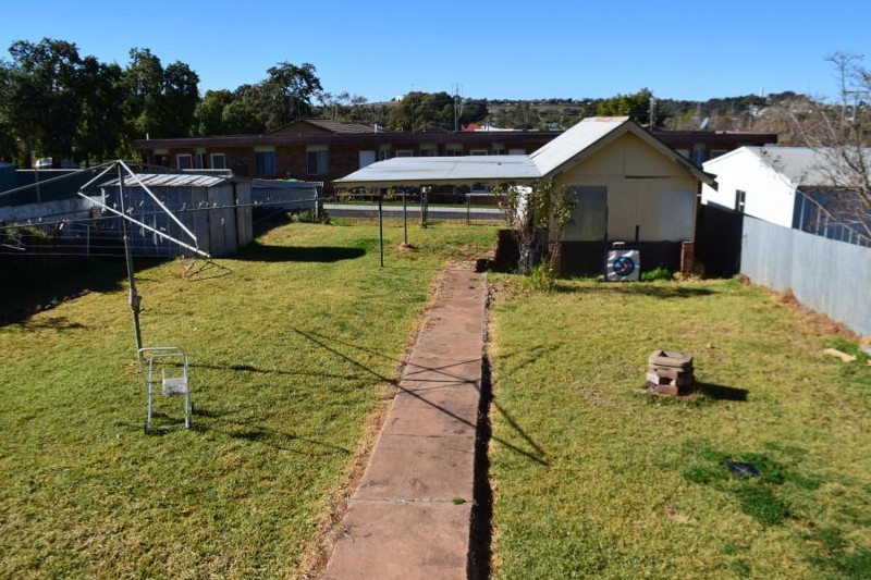 11 Coleman Road, Parkes - House for Sale in Parkes