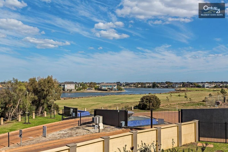 40/9 Greg Norman Drive, Sanctuary Lakes - Townhouse for Sale in Sanctuary Lakes
