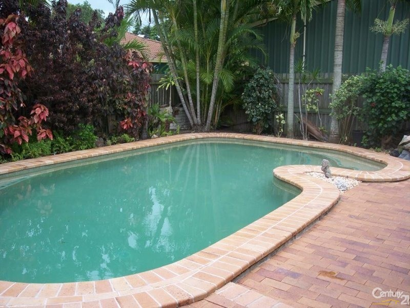 7 Whitby St, Urangan - House for Sale in Urangan