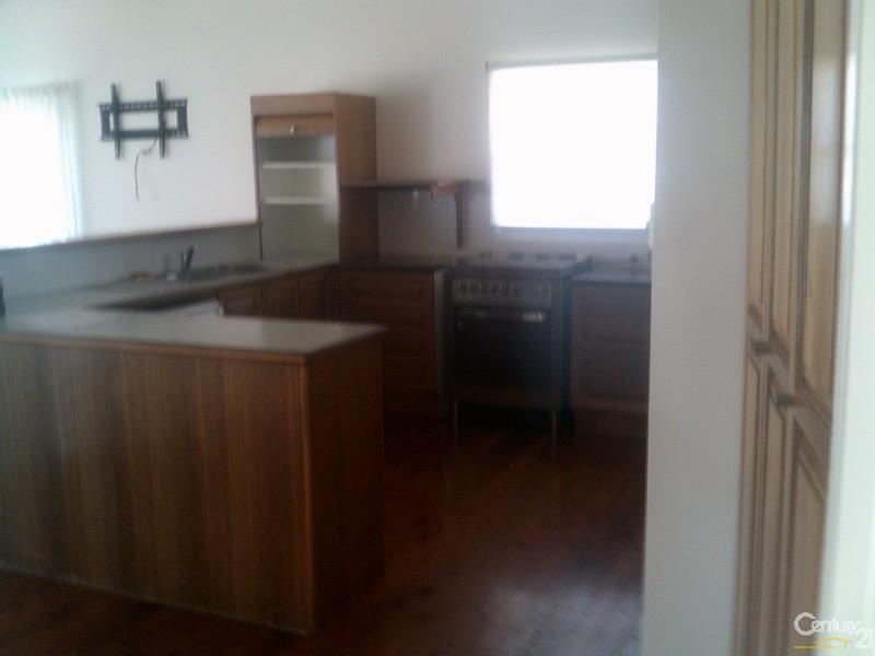 77 Esplanade, Point Vernon - House for Rent in Point Vernon