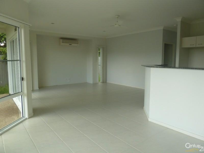 2/10 Beachside , Toogoom - Duplex for Rent in Toogoom
