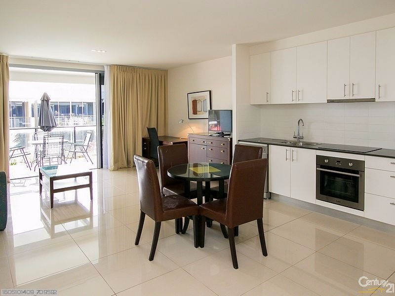 223/627 CHARLTON ESPLANADE, Urangan - Unit for Sale in Urangan