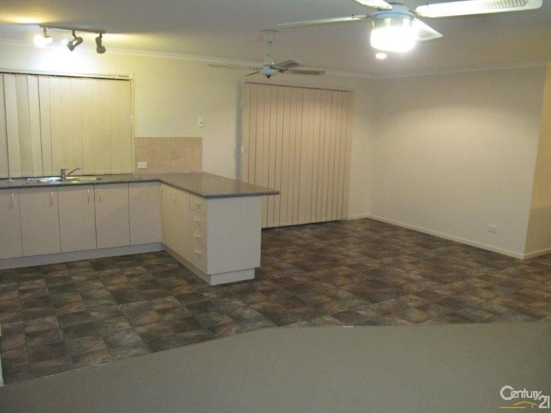 110 Limpus Street, Urangan - House for Rent in Urangan