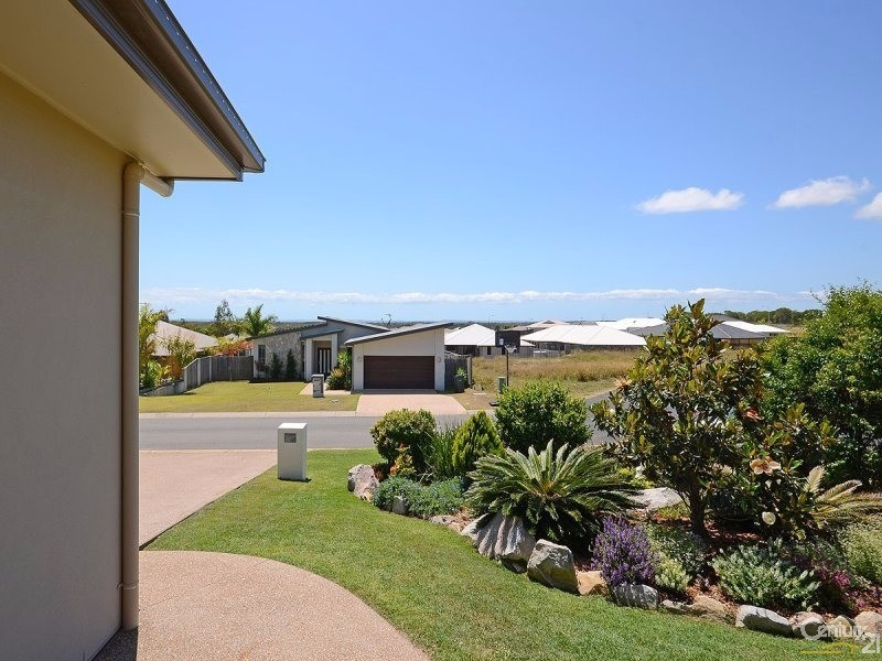 12 SEACREST DRIVE, Wondunna - House for Sale in Wondunna