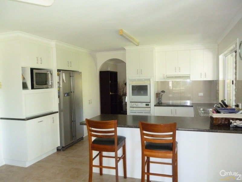 11 Patrick Street, Point Vernon - House for Rent in Point Vernon