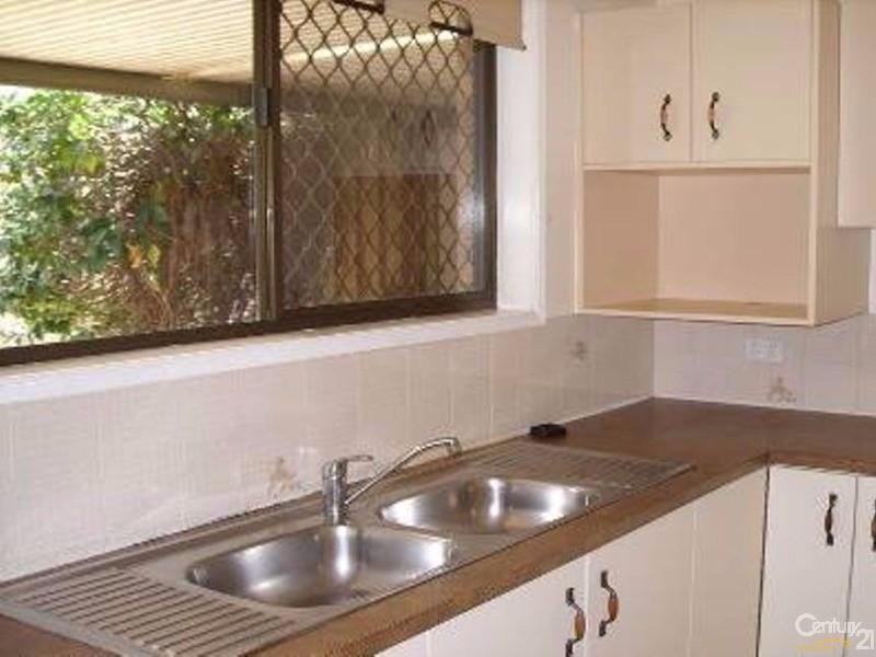 11 CONNOCK STREET, Urangan - House for Sale in Urangan