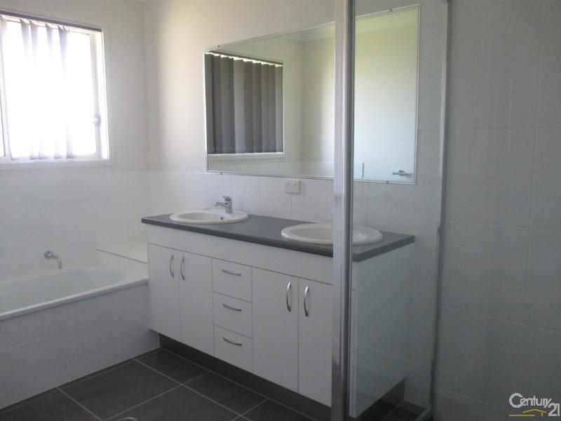 22 Seaheaven Circit, Pialba - House for Rent in Pialba