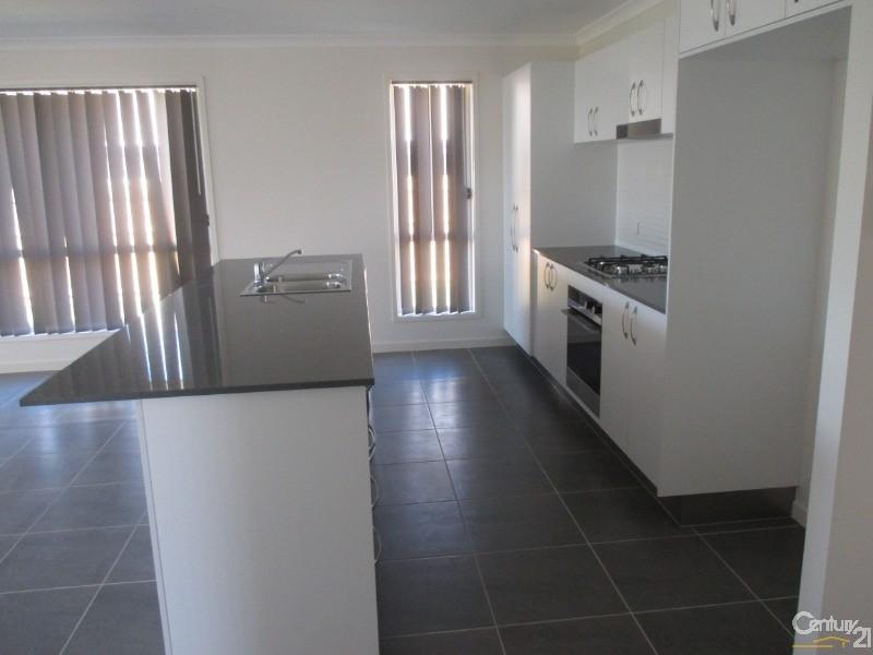 27 Seaheaven Circuit, Pialba - House for Rent in Pialba