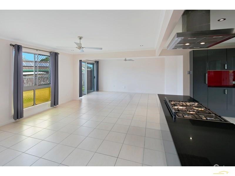5 Heron Court, Birkdale - House for Sale in Birkdale