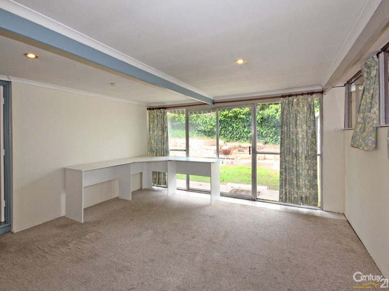 18 Desmond Road, Hackham - House for Sale in Hackham