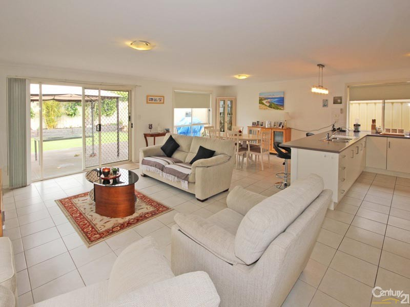 4 Robertson Road, Christies Beach - House for Sale in Christies Beach