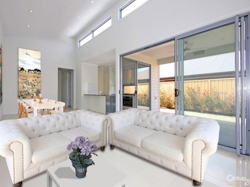 18 Bollard Avenue, Seaford Meadows - House for Sale in Seaford Meadows
