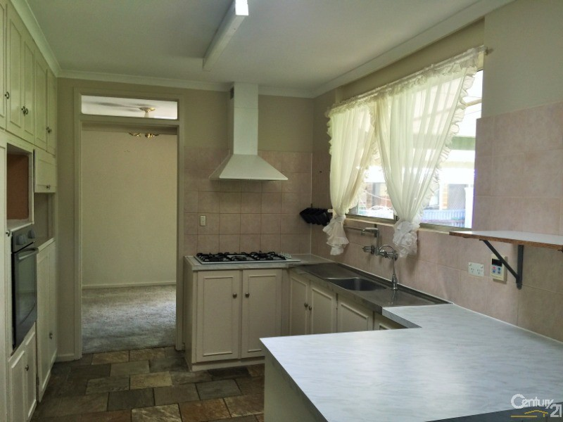 18 Calomba Cres, Happy Valley - House for Rent in Happy Valley