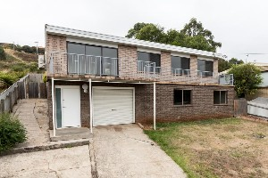 CENTURY 21 Leslie and Banks Property of the week