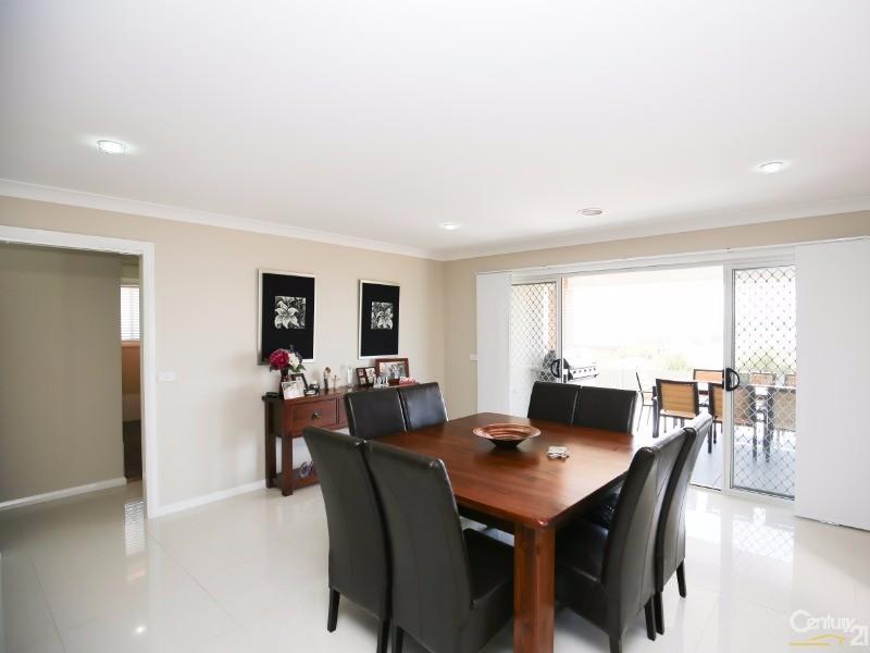 83 Freeman Circuit, Llanarth - House for Sale in Llanarth