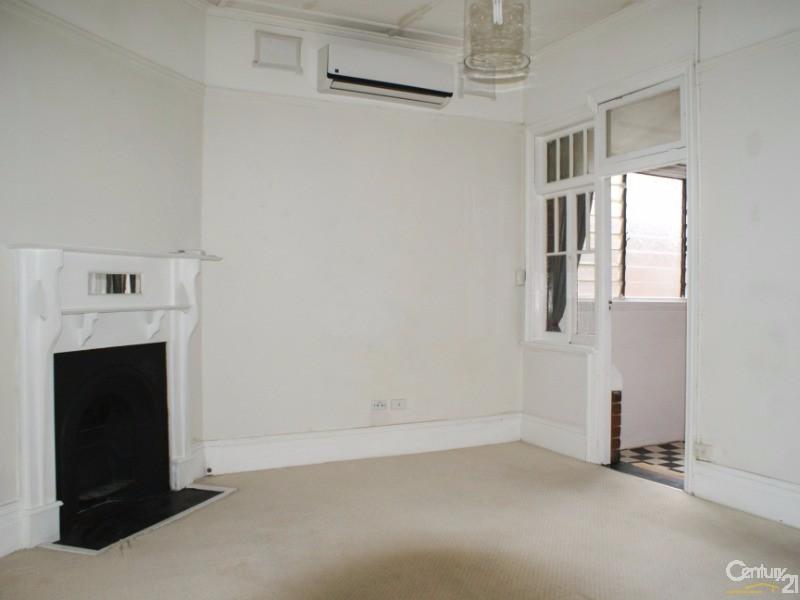 261 Russell Street, Bathurst - Semi-Detached for Rent in Bathurst
