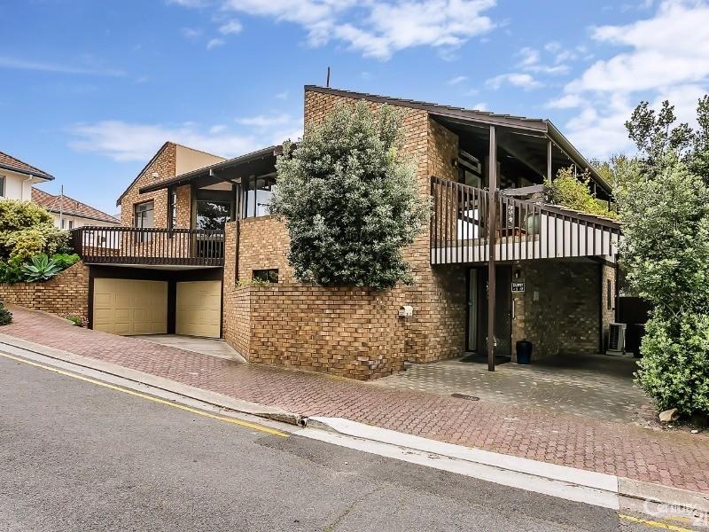 2/17 Robert Street, Glenelg South - Apartment for Sale in Glenelg South