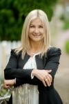 Carol Hartlett - Real Estate Agent Glenelg