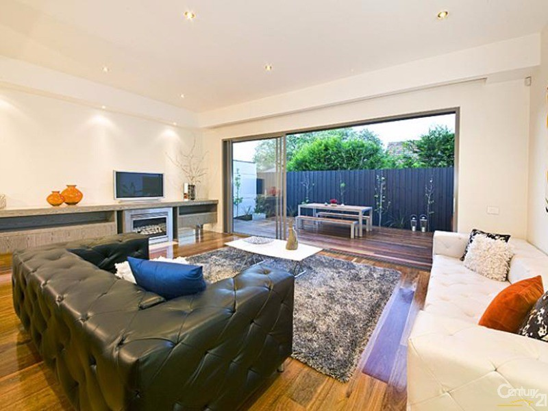 Townhouse for Sale in Brighton East VIC 3187