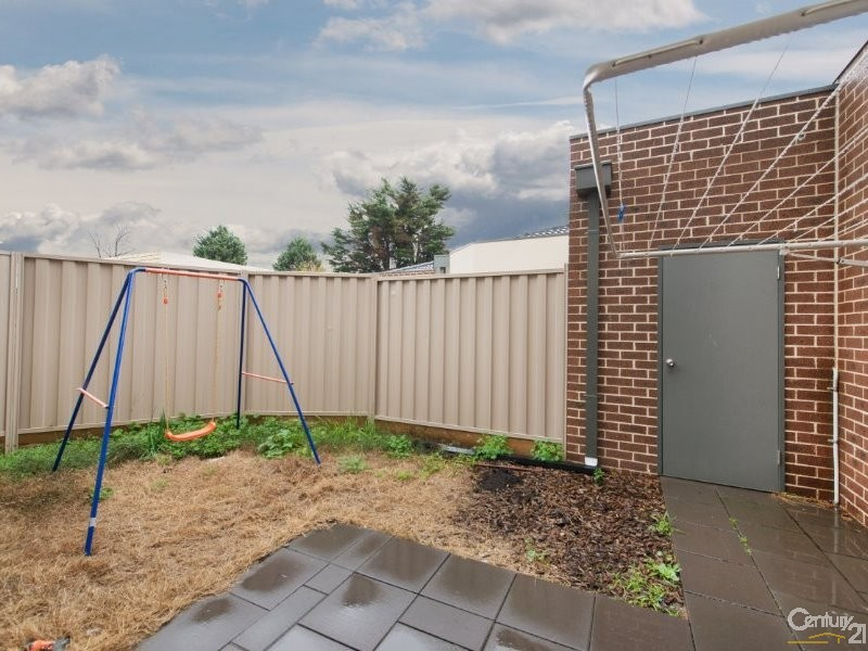 2/13 Oak Avenue, Doveton - Townhouse for Sale in Doveton