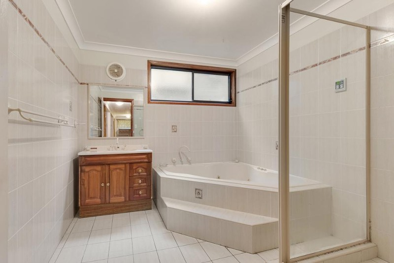 19 Chapman Avenue, Linden - House for Sale in Linden