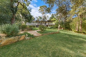 CENTURY 21 Combined Springwood Property of the week