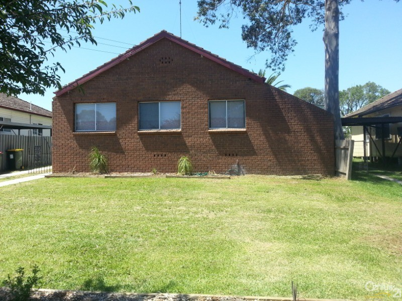 128 Garfield Rd East, Riverstone - House for Rent in Riverstone