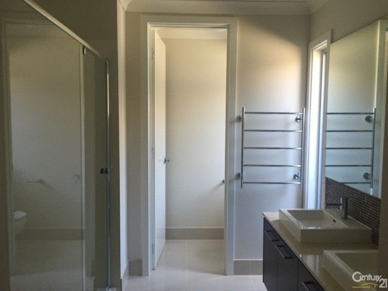 33 Grantham St, Riverstone - House for Rent in Riverstone