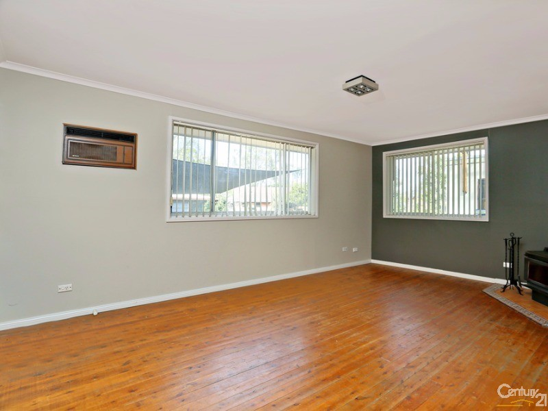 8 Pine Pl, Riverstone - House for Rent in Riverstone