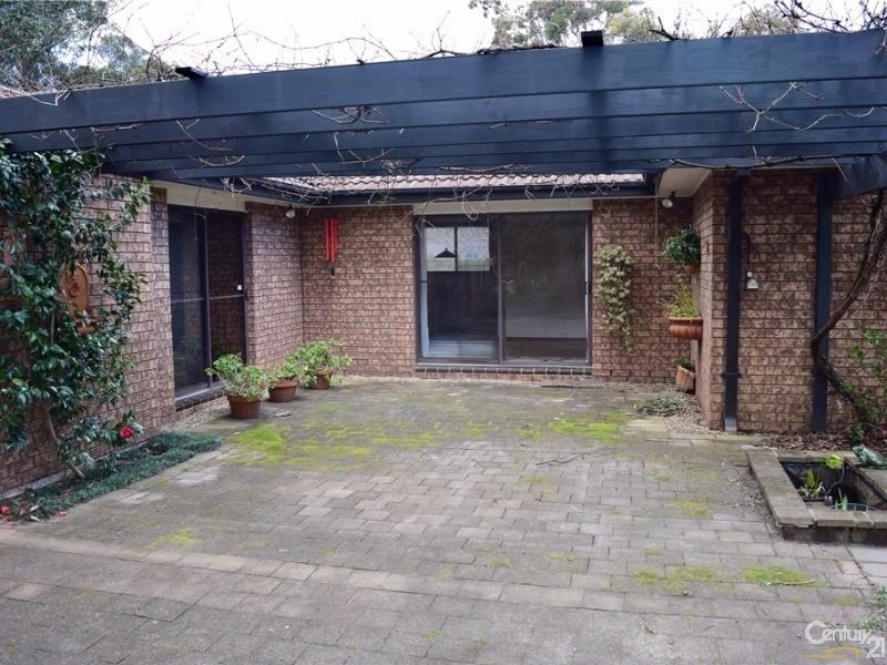 105 Boronia Road, Bullaburra - House for Sale in Bullaburra