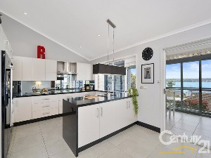 CENTURY 21 Beachside Property of the week