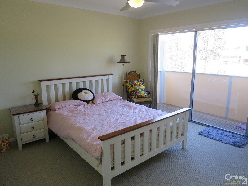 43 Caddies Blvd, Rouse Hill - House for Rent in Rouse Hill