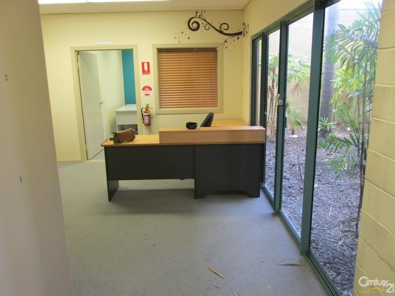 5/107 Boat Harbour Drive, Pialba - Office Space/Commercial Property for Lease in Pialba