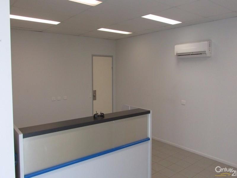 2/46 Southern Cross Circuit, Urangan - Industrial Property for Sale in Urangan