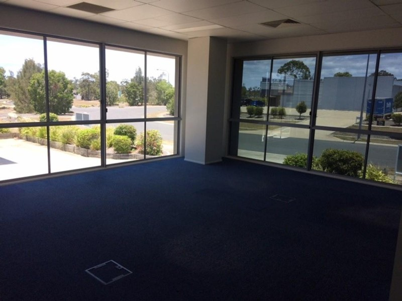 1/3 Southern Cross Circuit, Urangan - Industrial Property for Lease in Urangan