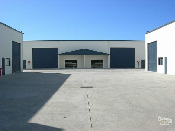 60 Lower Mountain Road, Dundowran - Industrial Property for Sale in Dundowran