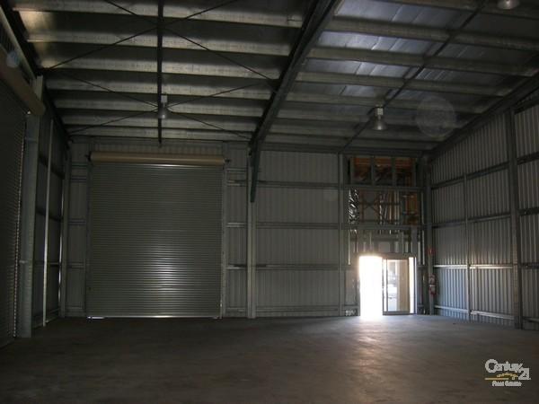 21 Southern Cross Circuit, Urangan - Industrial Property for Lease in Urangan