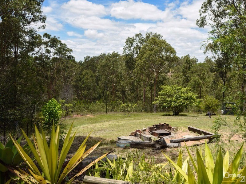 6 Hoods Road , Upper Lockyer - Land for Sale in Upper Lockyer