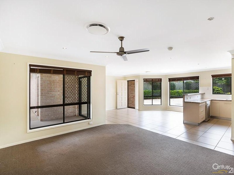 House for Sale in Harlaxton QLD 4350