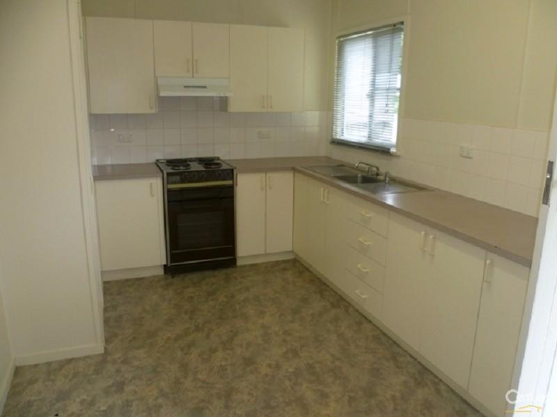 11 McCafferty Street, Wilsonton - House for Rent in Wilsonton