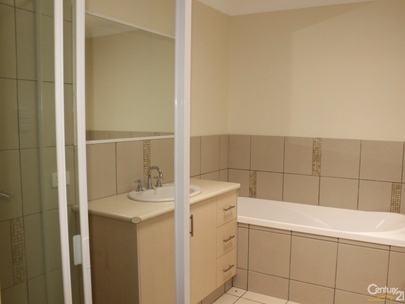 1/63 Luck Street, Toowoomba - Unit for Rent in Toowoomba