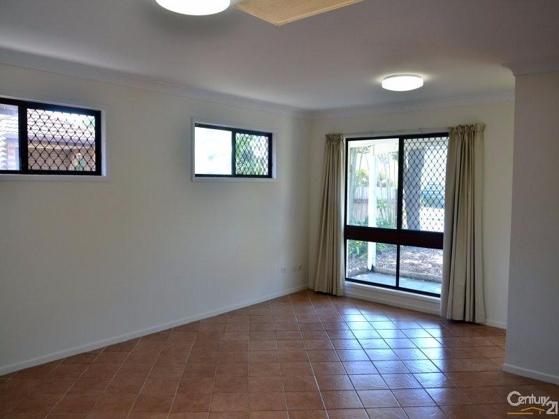 23 Gateway Street, Wynnum - House for Rent in Wynnum