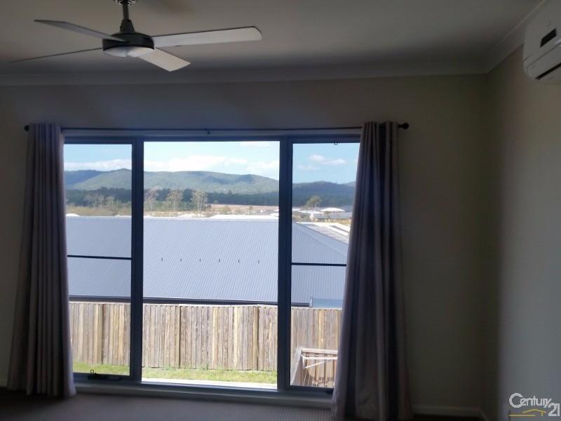 23 Summerview Avenue, Yarrabilba - House for Rent in Yarrabilba