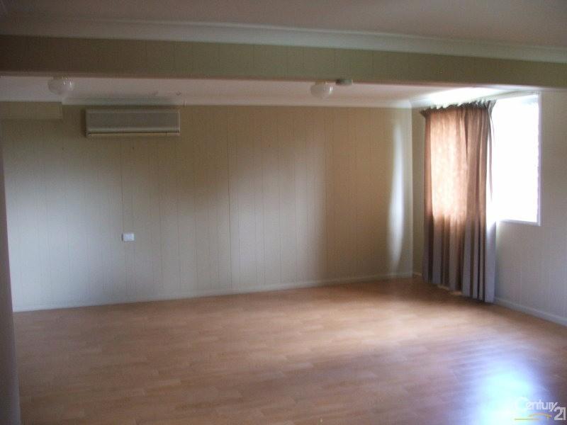 94 Conifer Street, Hillcrest - House for Rent in Hillcrest
