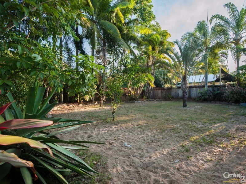 8 THOOLEER CLOSE, Cooya Beach - House for Sale in Cooya Beach