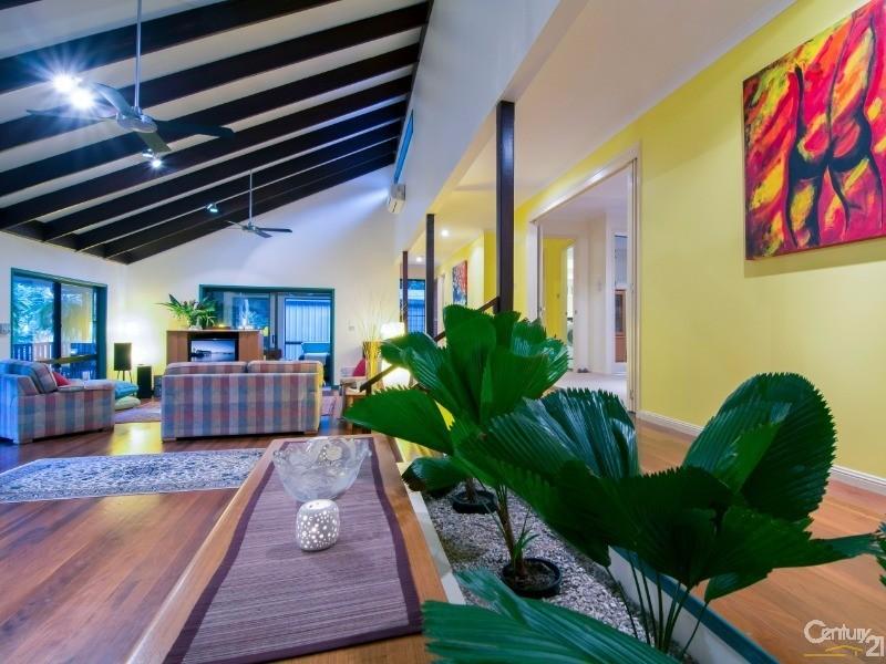 22 Finlay Crescent , Oak Beach - House for Sale in Oak Beach