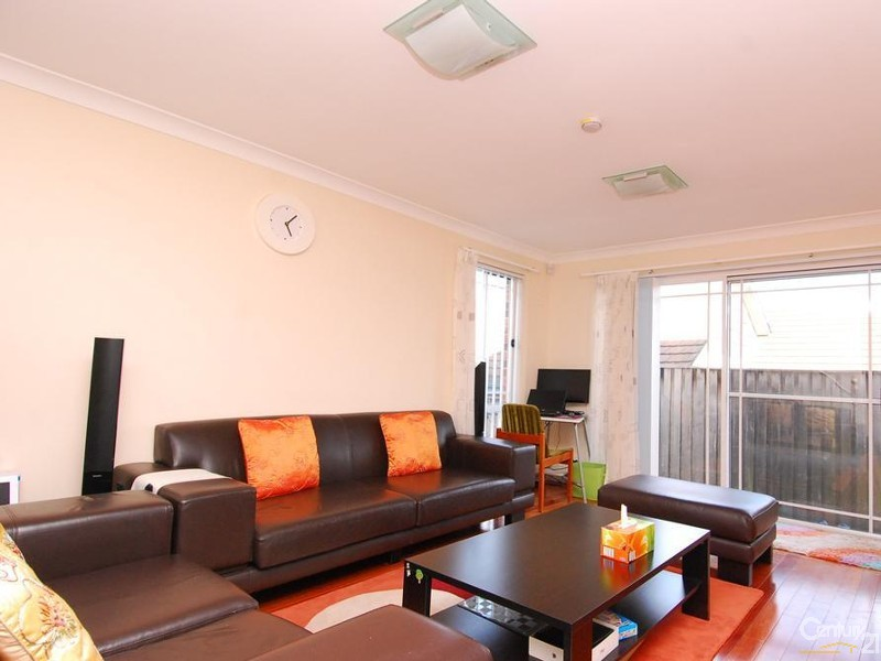 Lounge - 30 Neale Avenue, Cherrybrook - House for Rent in Cherrybrook