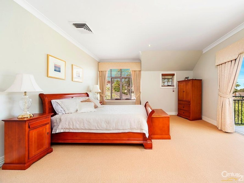 2 Gumleaf Place, West Pennant Hills - House for Sale in West Pennant Hills