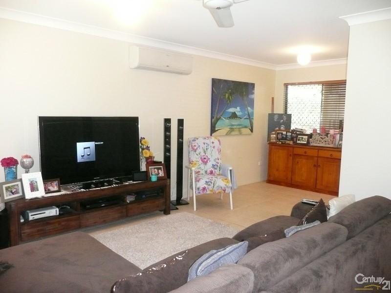 31 Timbury Way, Mount Louisa - House for Rent in Mount Louisa