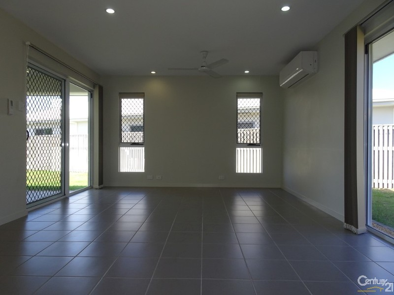 43 Hillock Crescent, Bushland Beach - House for Rent in Bushland Beach
